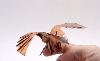 عقاب کاغذی