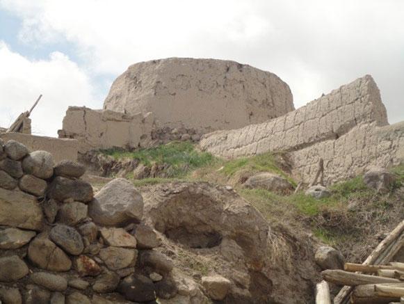 روستا و قلعه کاسین