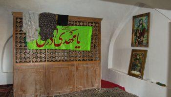 امامزاده روستای آستانجین