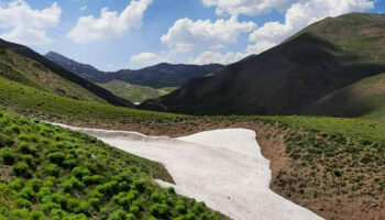 طبیعت زیبای بهاری ارتفاعات رشته کوه بوزقوش ییلاقات روستای بالسین